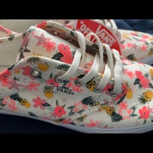 NWT Vans Atwood Low Hipster Pineapple Size 7